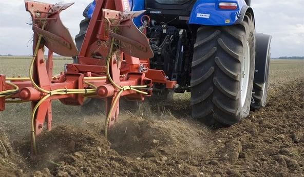 Bodenverdichtung im Zusammenhang mit den Traktorreifen