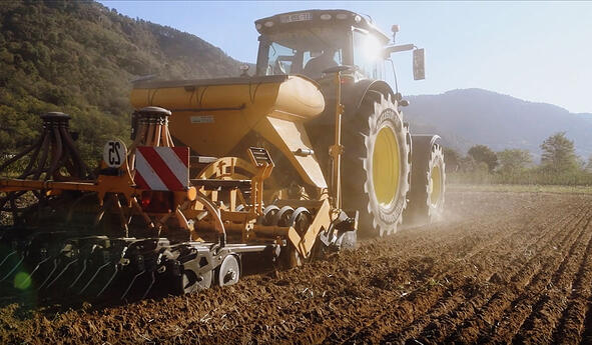 Rollwiderstand der Traktorreifen
