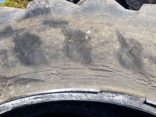 Nicht reparierbarer platter Reifen nach dem Fahren