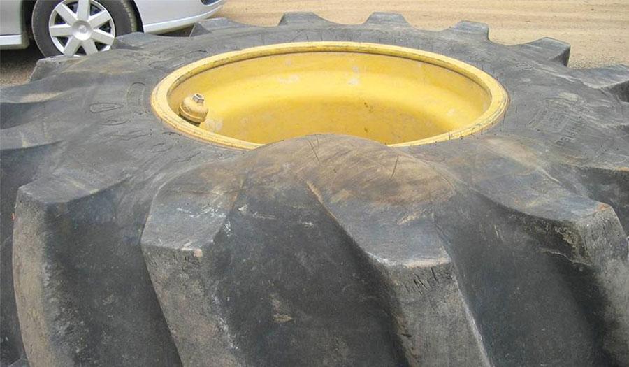 Kann man eine Beule auf einem Traktorreifen reparieren?